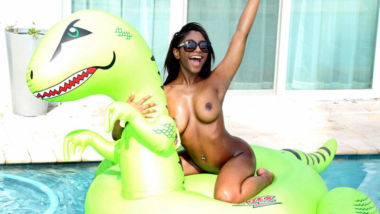 Curvy Brown Lexi  - Titty Attack